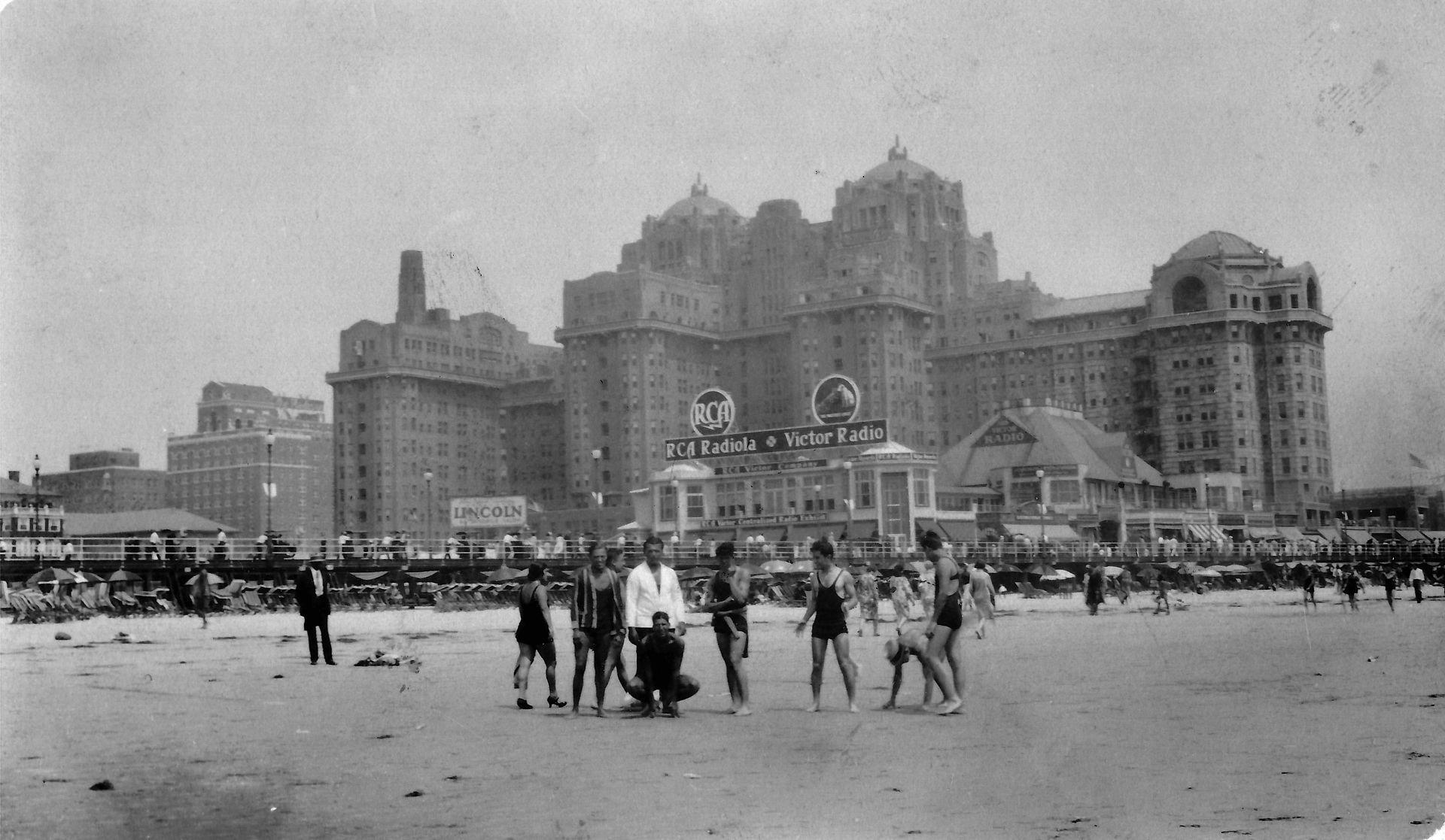 Atlantic City - Traymore Hotel - 1930